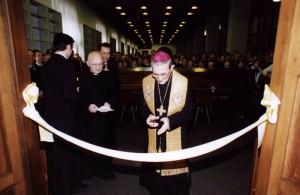 25 novembre 1995. Inaugurazione della sede della Fondazione: il vescovo di Bergamo mons. Amadei, mons. Loris Capovilla, segretario di papa Giovanni XXIII, e il rettore del Seminario, mons. Gianni Carzaniga